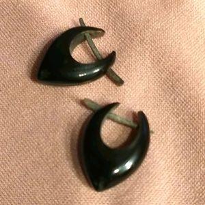 🇨🇦 NWOT Handcrafted Ebony Earings